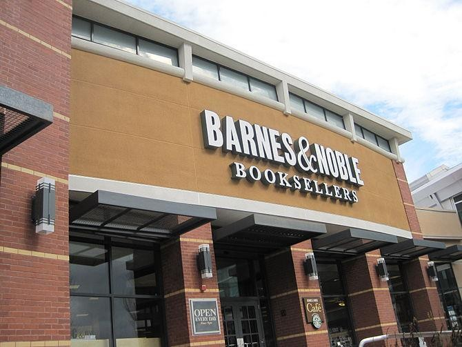 Barnes & Noble Should Rally Around, Not Retreat From, Retail Stores