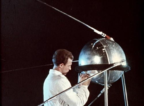 This Is Why Sputnik Crashed Back To Earth After Only 3 Months