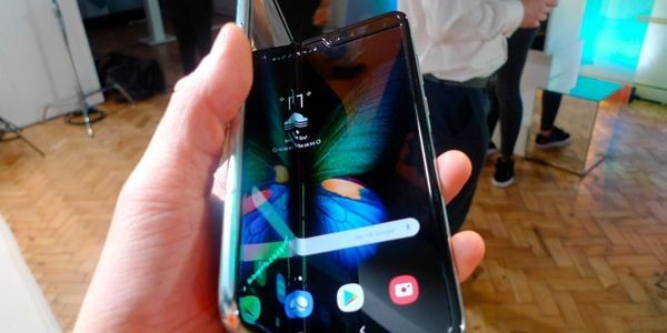 Confirmed: In Major Blow To Samsung, T-Mobile Will Not Carry The Redesigned Galaxy Fold 2