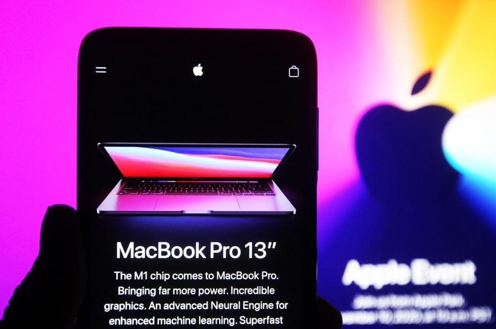 Apple Dominates Microsoft In MacBook Pro Vs Surface Pro Fight