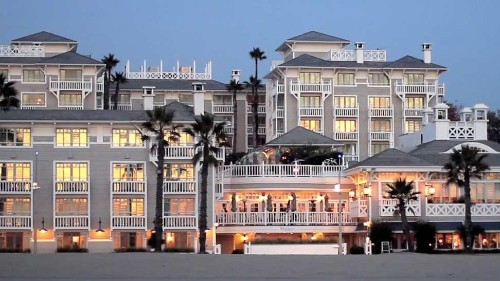 Vacation Like Hollywood Royalty at the Best Luxury Hotel in Santa Monica