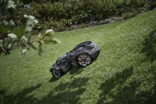 Robots Are Getting Better At Cutting Lawns And Carbon Emissions