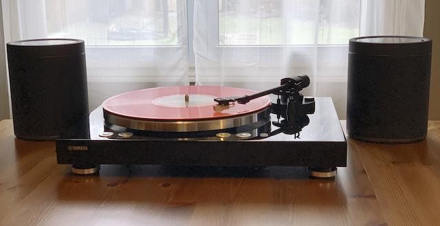 Review: Hands-On With Yamaha's VINYL 500 Wireless Turntable + MusicCast 20 Wireless Speakers