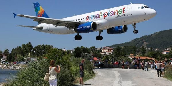 Europe's Most Dangerous Airport Landings