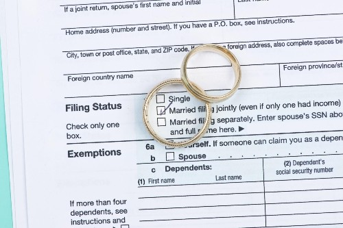 Married Filing Jointly Vs. Separately: A CPA Weighs In