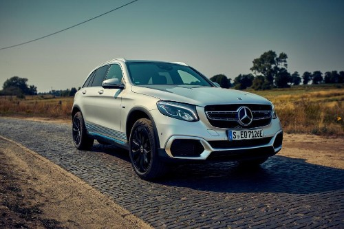 Mercedes Launches Fuel Cell Hybrid For Customer Tests