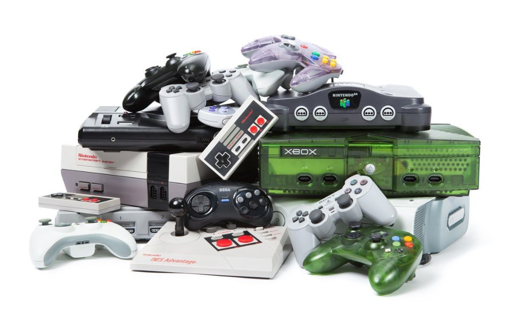 EVERYDAY ELECTRONICS AND GAMING cover image