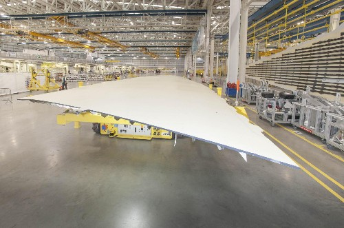 The New Airbus Wing Morphs In Flight