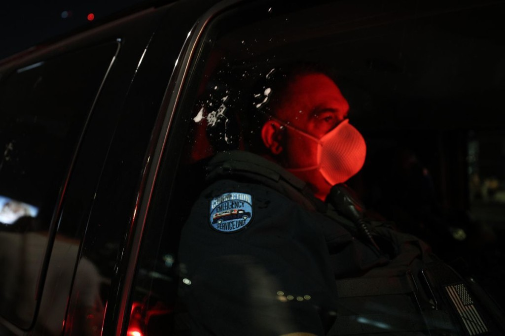 Louisville Mayor Urges Calm As Two Police Officers Shot During Protests Recover