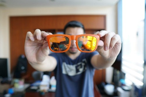 These $69 Sunglasses Hide Miniature Speakers Inside Their Frames