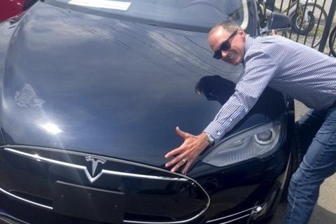 212 Tesla Owners Can't Be Wrong: How Tesla Can Be Worth More Than Ford
