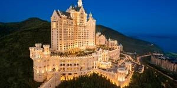 Live Like A King: Starwood Resorts Opens Amazing Castle Hotel In Northeast China