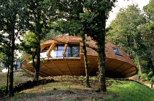 This 'DIY' Domed Eco-House Will Literally Make Your Head Spin