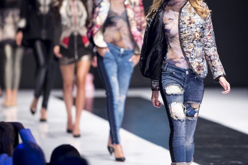 This Mobile App Is Taking The $1.7 Trillion Fashion Industry By Storm