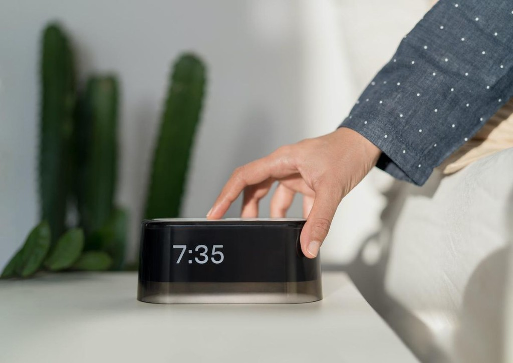 This iPhone-Snubbing Alarm Clock Has A 3,100-Person Waiting List