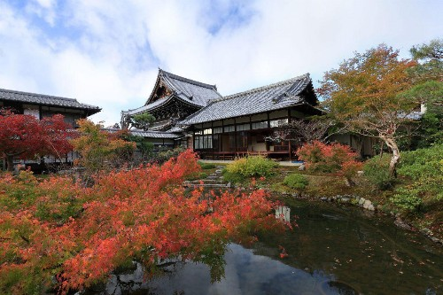 You Can Now Stay In The Sacred Temples Of Kyoto