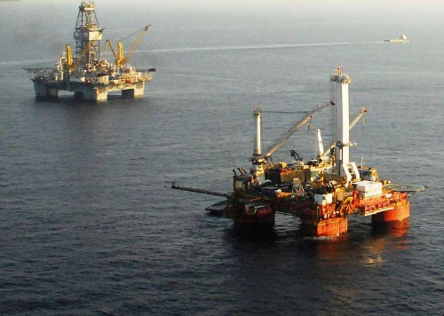 Low Oil Price May Stifle Deepwater Drilling And Oil Sands But Not Fracking