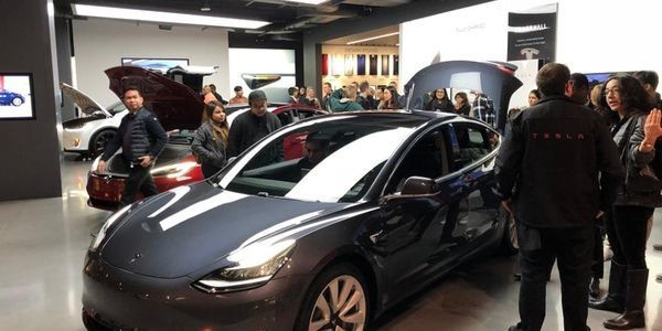 Car Buyers May Not Prefer Electric Vehicles But They Prefer The Tesla Model 3