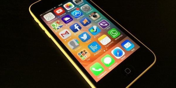 The Majority of iPhone Users Admit to 'Blind Loyalty' - Why This Is A Problem For Apple