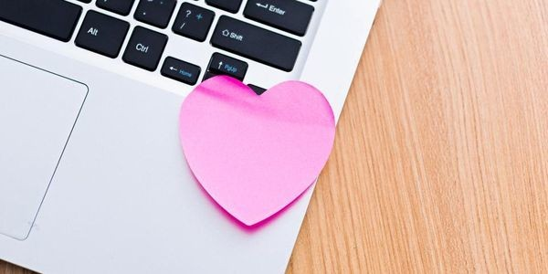 How To Fall In Love With Your Work (Or Even Just Like It A Little More): 4 Simple Steps