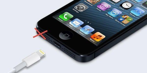 Apple To Abandon Headphone Jack? Beats Deal Suddenly Makes Sense