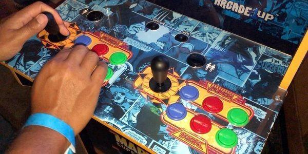 Collectors Edition 'Marvel Super Heroes Arcade Machine' Ups Components And Design