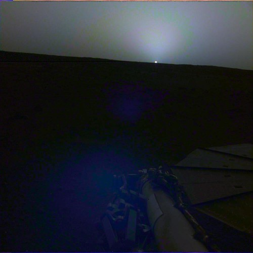 Here Are InSight's First Shots Of The Eerie Martian Sunrise And Sunset