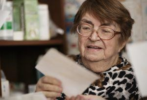 Aging Parents With Dementia? Beware Of Thieving Financial Advisors