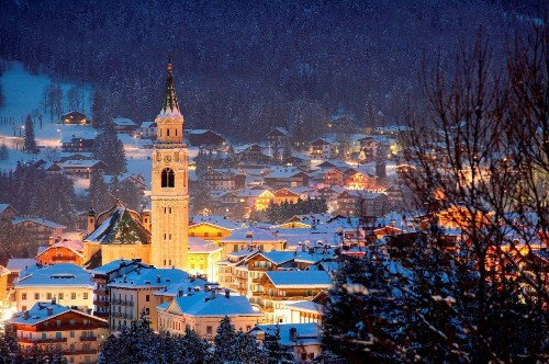 6 Reasons To Head To This Legendary And Gorgeous Italian Ski Resort Now
