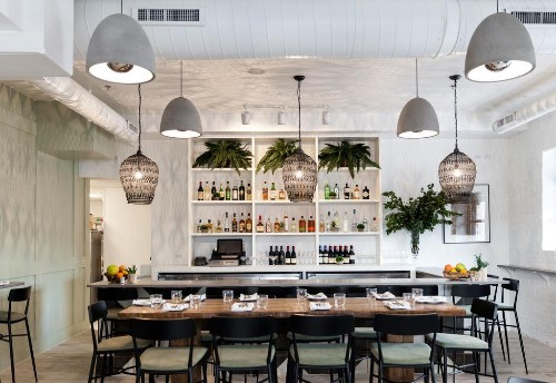Seven Essential Chicago Restaurants Every Foodie Must Try