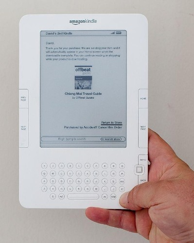 Apple's iBook Prepares To Overtake Kindle In War Of The Mobile Readers
