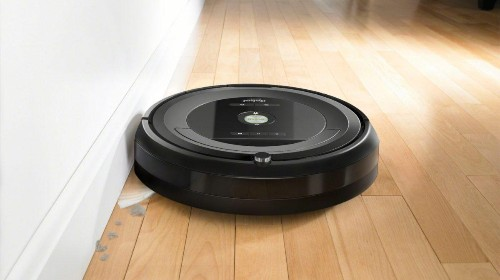 The iRobot Roomba 680 Vacuum Is Now $70 Off