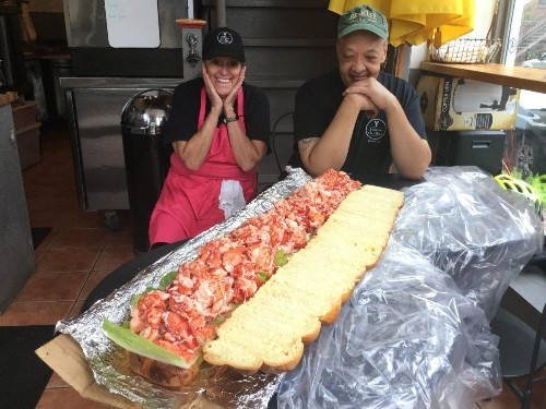 Having A Memorial Day Picnic? Treat Yourself (And All Your Friends) To A $750 Lobster Roll