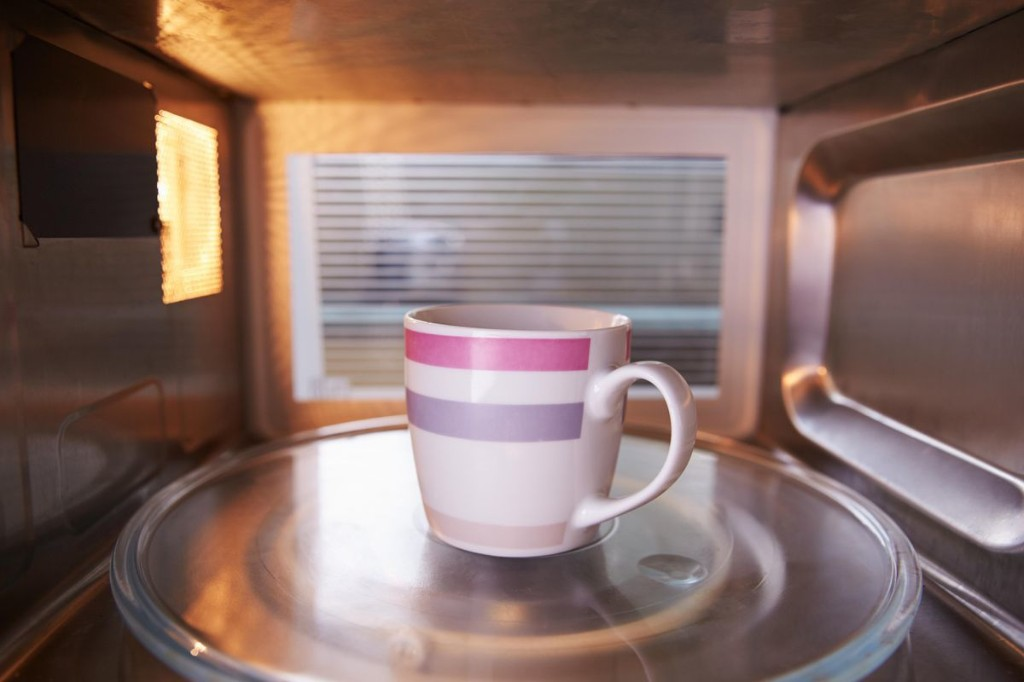 The Difference Between Microwaving Your Tea Versus Using The Kettle, According To Science