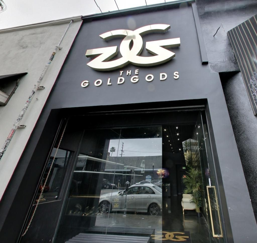 Growing An Online Brand Through Retail Partnerships: A Case Study With The Gold Gods