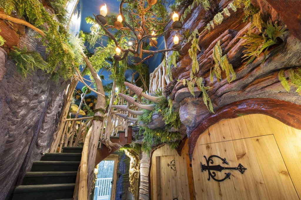 This New Hotel Room In The Catskills Is Straight Out Of A Magical Fairytale