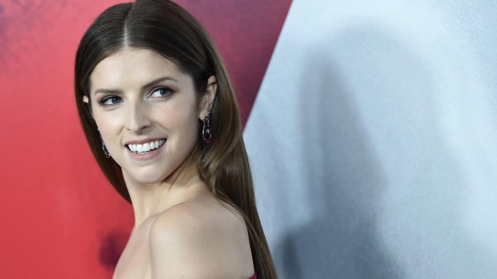Why Anna Kendrick Is The 'Most Dangerous Celebrity On The Internet'