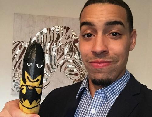 This Entrepreneur Earns More Than $100K A Year Selling Bananas