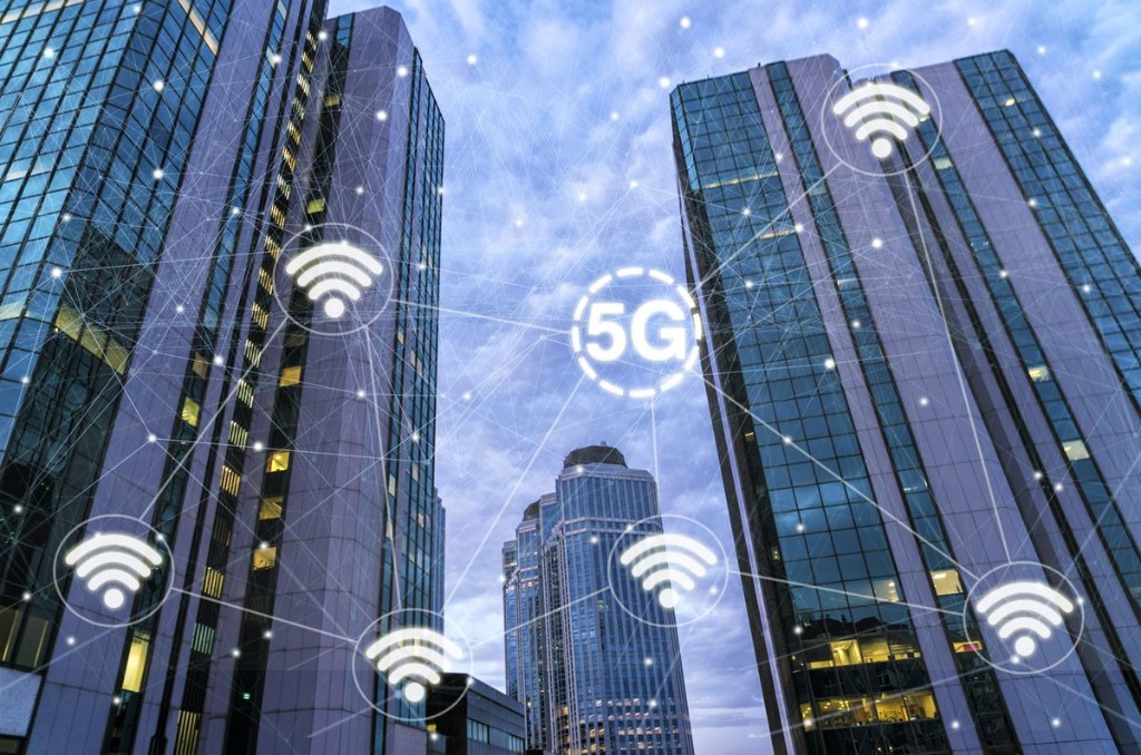 Tech Experts Predict 12 Ways 5G Will Transform How Business Is Done