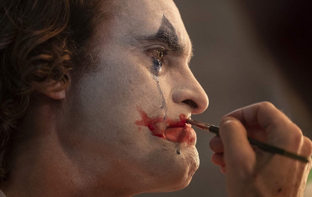Joaquin Phoenix's 'Joker' Exposes The DCEU's Biggest Problem