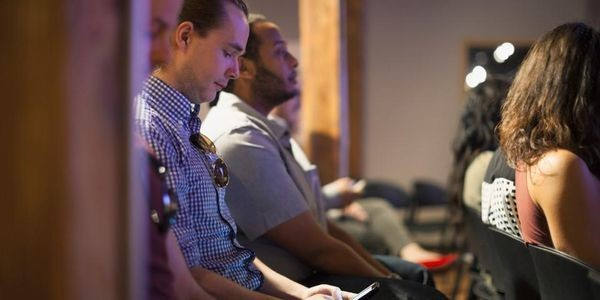 Your Audience Tunes Out After 10 Minutes. Here's How To Keep Their Attention