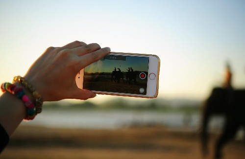 5 Awesome Examples Of Brands Using Live Video For Marketing