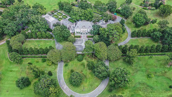 Cluckingham Palace, An Estate Literally Built On Chicken, Goes To Auction
