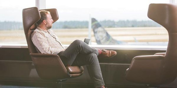 Alaska Airlines Caters To Business Travelers With New SeaTac Lounge