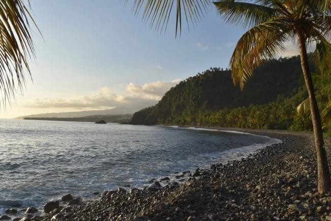 'Impossible' Rocks Found On Volcanic Island Are Puzzling Geologists