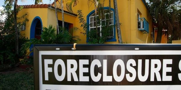 Home Flipping's Shadowy Ties to Mortgage Fraud