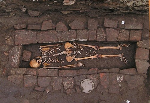This Pregnant Medieval Woman With Head Wound 'Gave Birth' In Her Grave