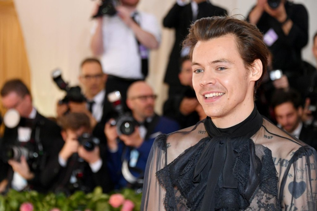 Harry Styles Is Now The Most Successful One Direction Member In The U.K. When Looking At Hit Singles