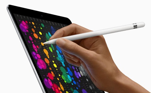 Rumor: iPad Pro To Ditch Lightning Connector. Will 2019 iPhone Follow?