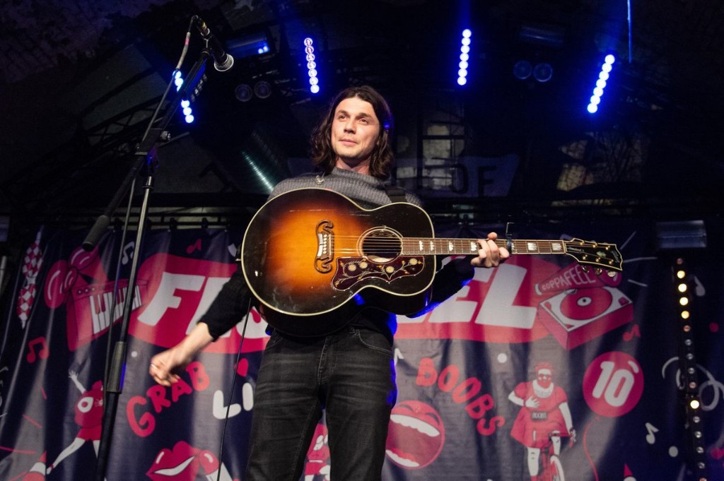 Q&A: James Bay On How Billie Eilish Helped Inspire Third Album And The Greatest Song Ever Written